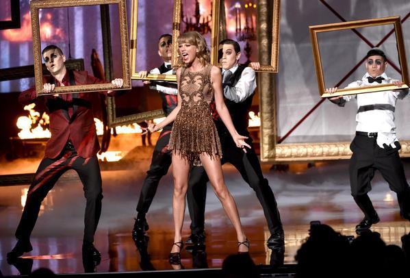 Taylor Swift wears Yousef al Jasmi at 2014 AMAs
