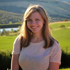 Kayla of Microscrope Beauty Blog
