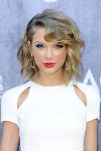 taylor-swift-new-years-eve-makeup-inspiration