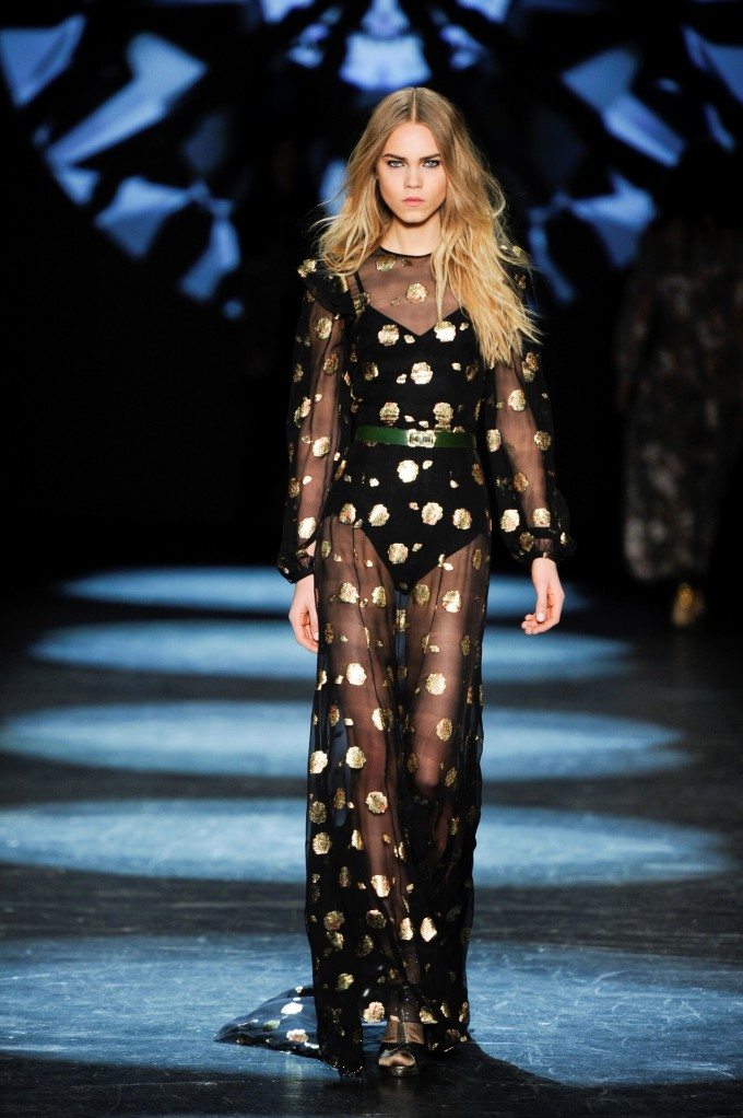 NYFW: Monique Lhuillier Fall/Winter 2016 Collection Runway