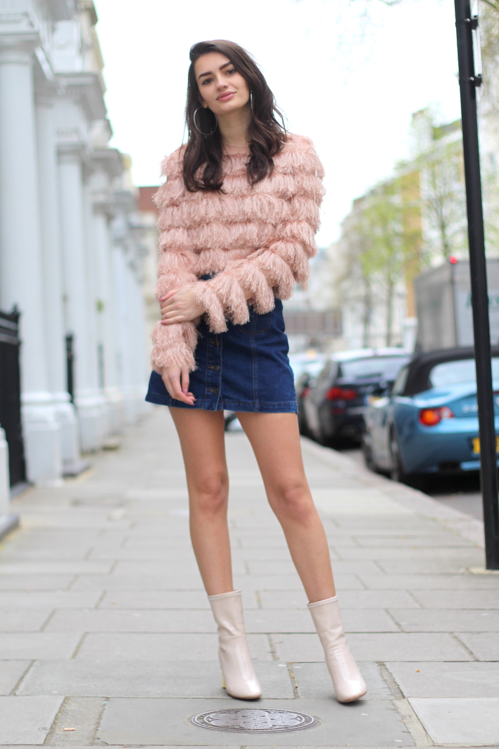 Style Blog to Watch: Peexo in pink fluffy jacket and denim skirt