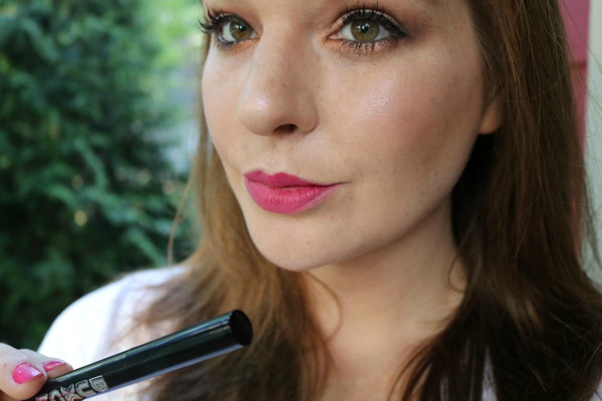 New Buxom Pillow Pout LIpstick Review + Swatches #Makeup #Lipstick #CrueltyFreeBeauty