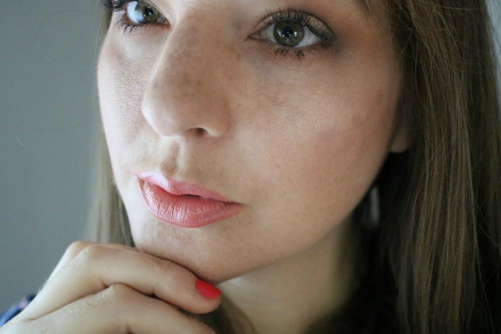Revlon Candid Foundation and Concealer Review I DreaminLace.com #Makeup #DrugstoreMakeup #BeautyBlog