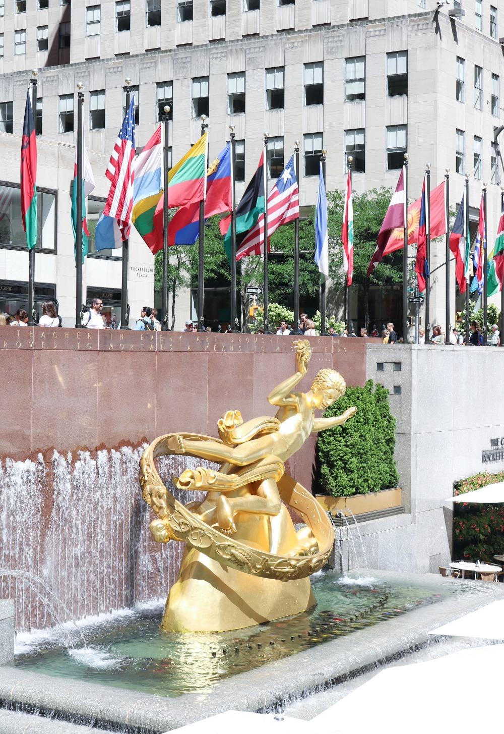 NYC Photo Diary I Rockefeller Center Fountain #Travel #TravelBlogger