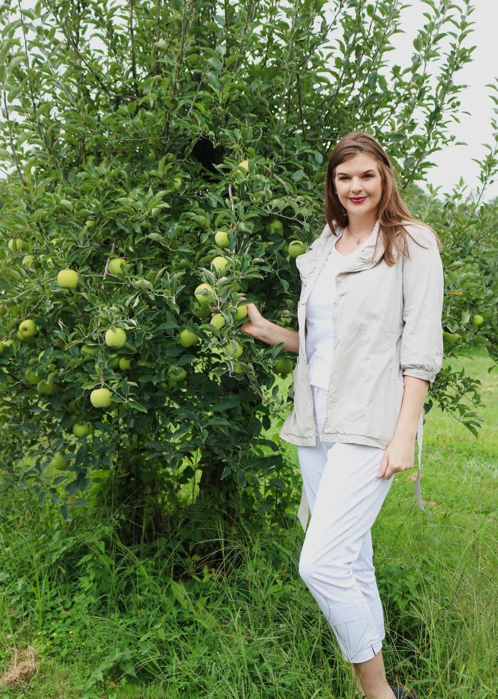 Weekend Apple Picking in Small-Town Ohio I A&M Orchard #applepicking #fallactivities